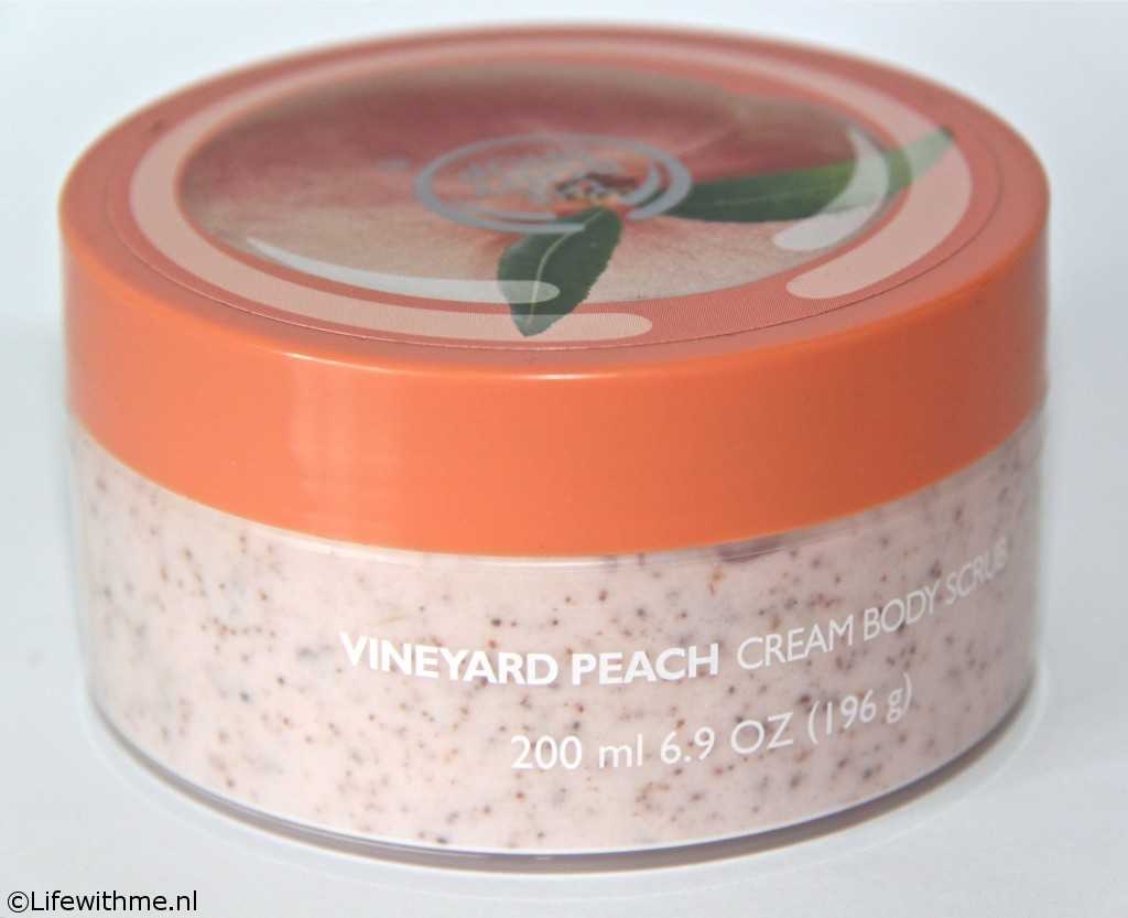 Shoplog Body Shop peach scrub pot