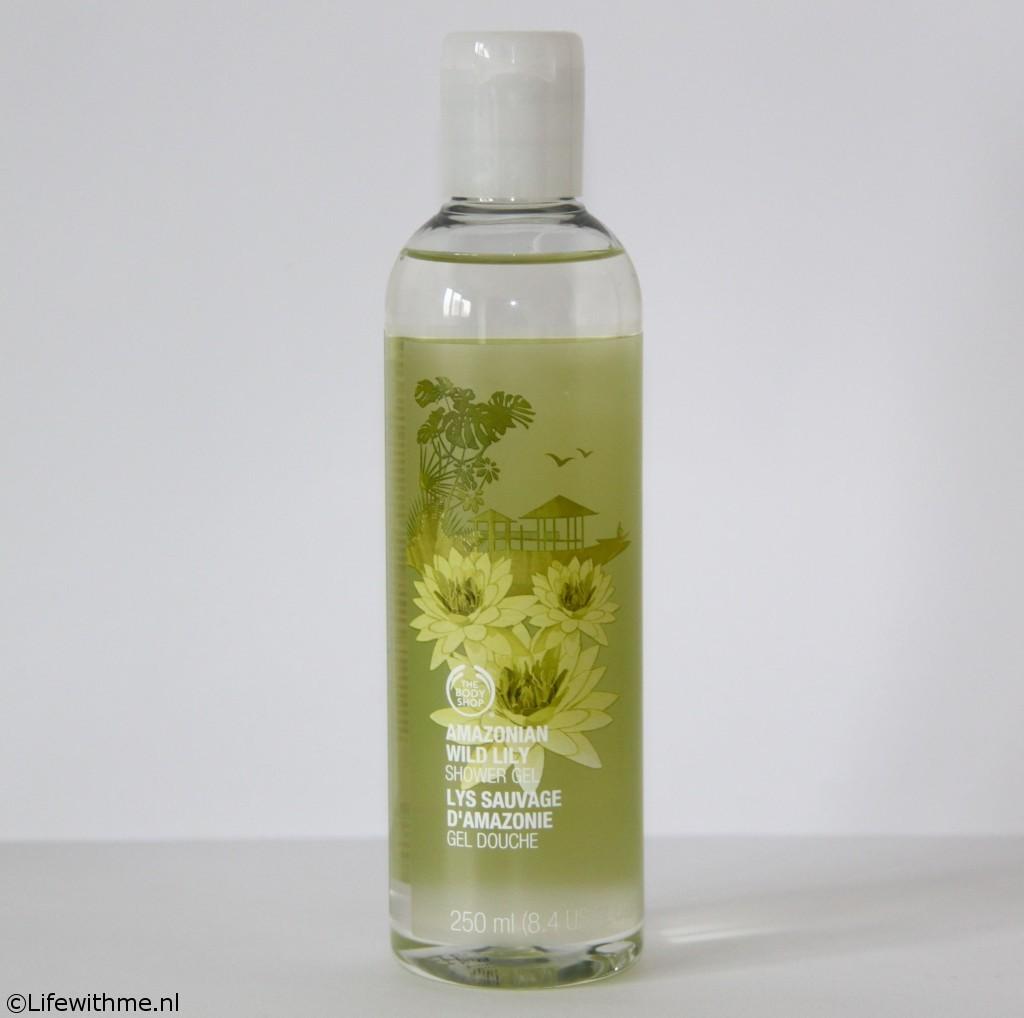 Shoplog Body Shop wild lily shower gel