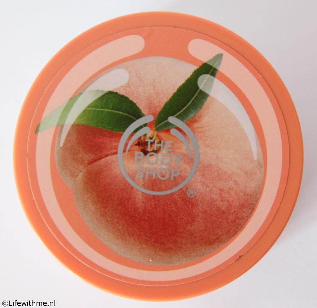 Shoplog body shop peach scrub