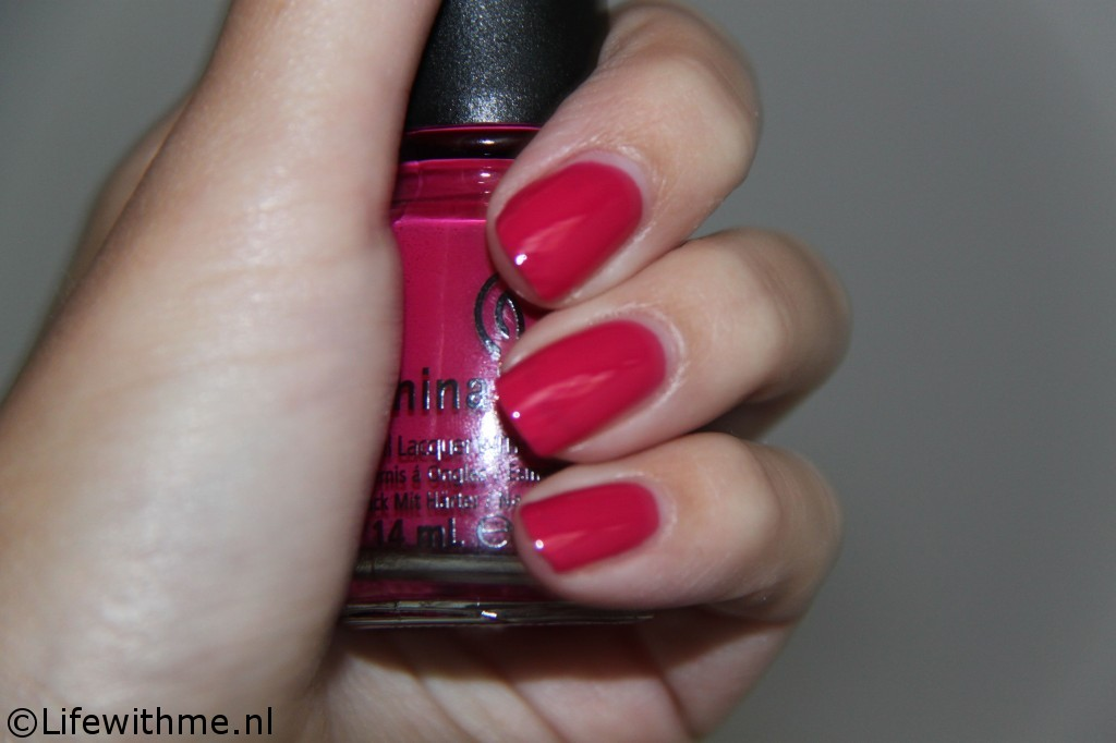 China glaze fuchsia swatch donker