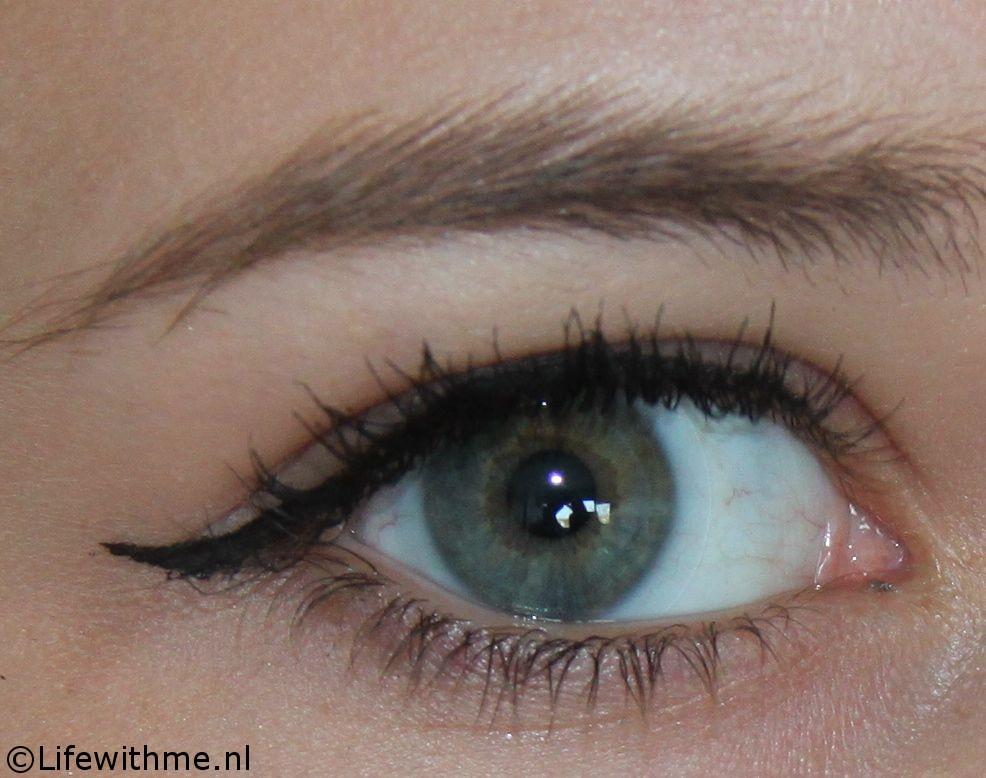 Eyeliner battle