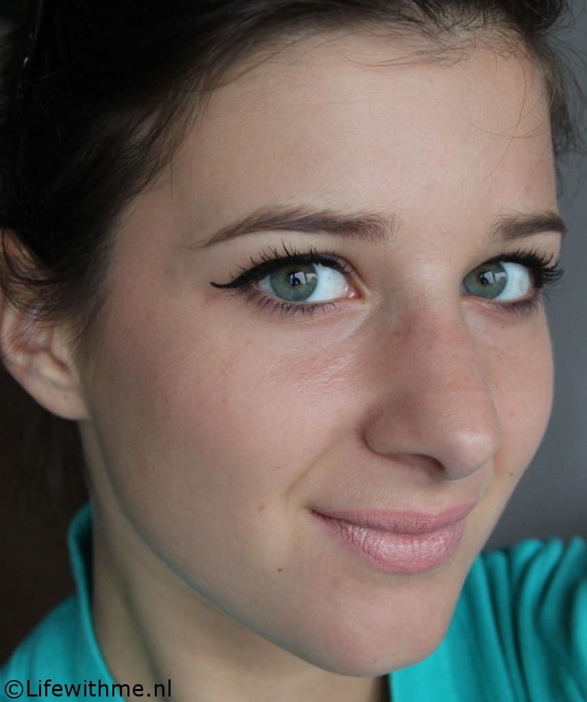 Eyeliner only look een zijkant FOTD eyeliner