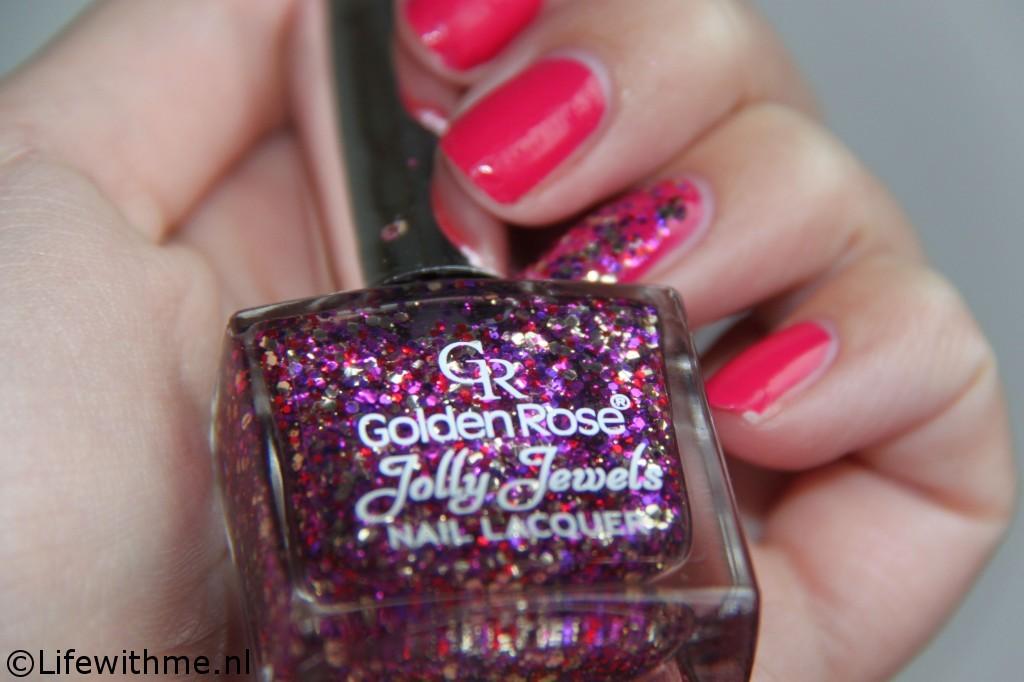 Golden Rose av