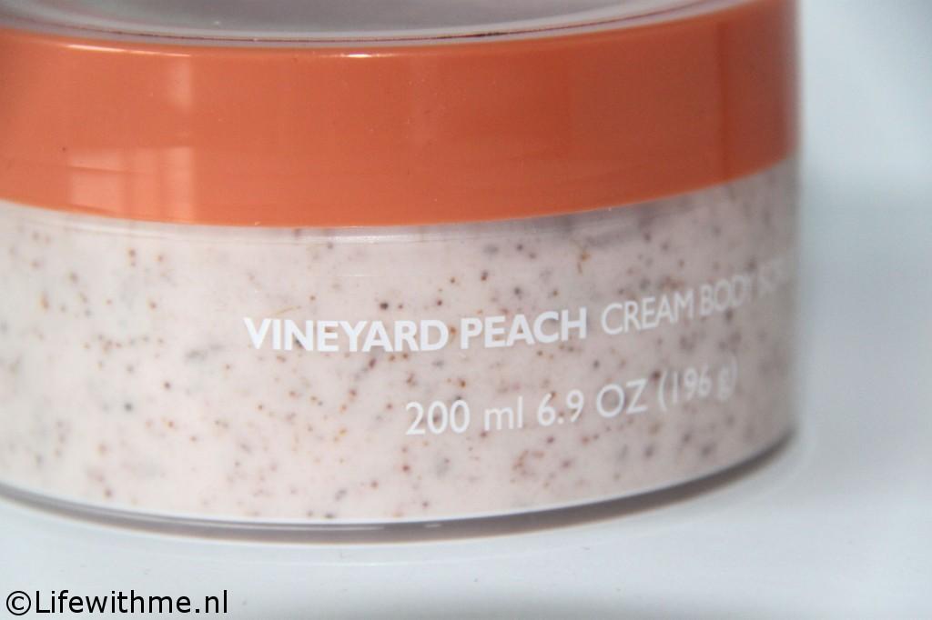 Body Shop vineyard peach scrub