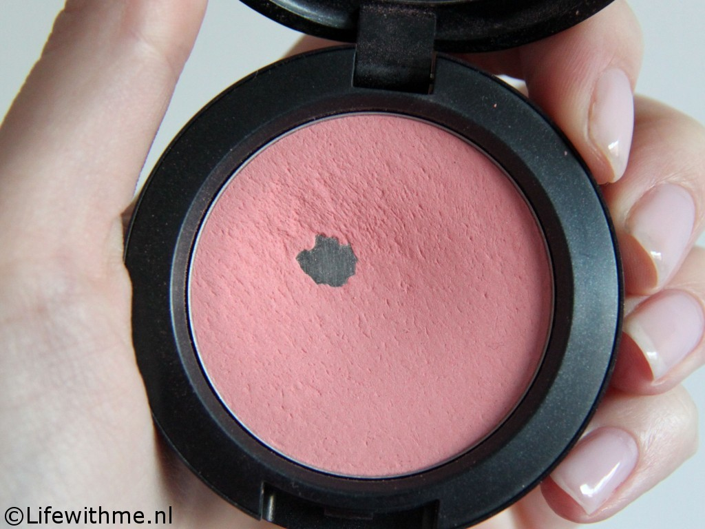Mac Rosy Outlook