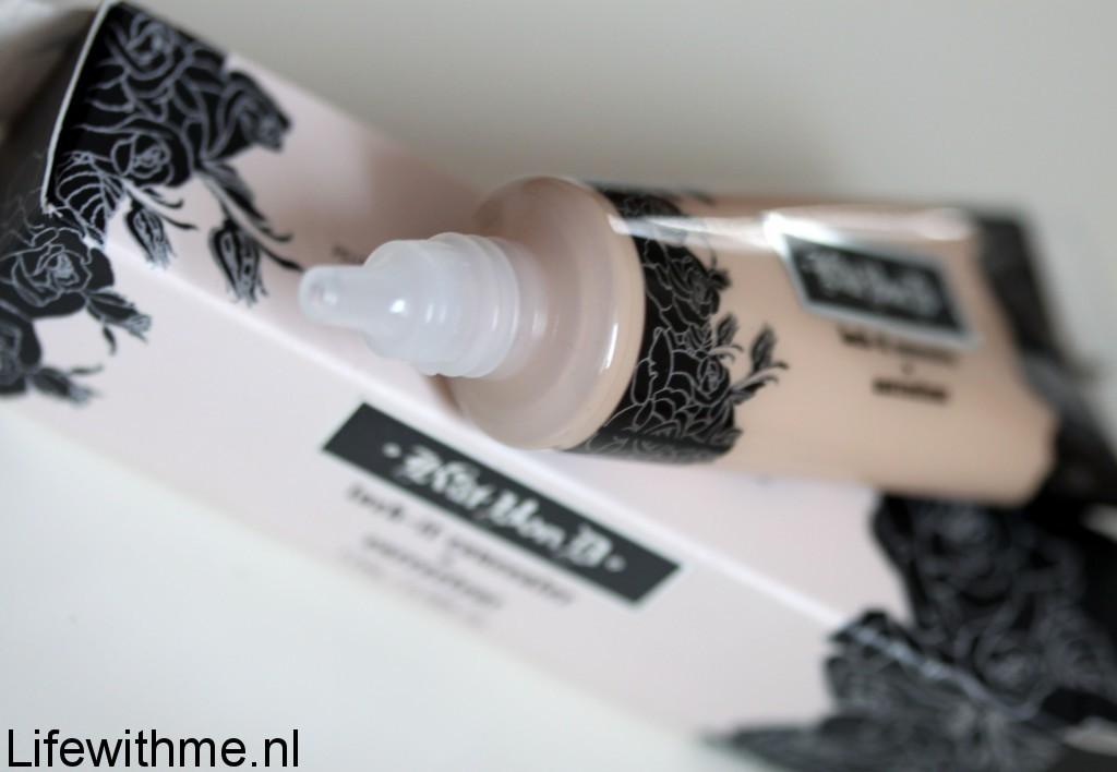 Kat von D lock it concealer review