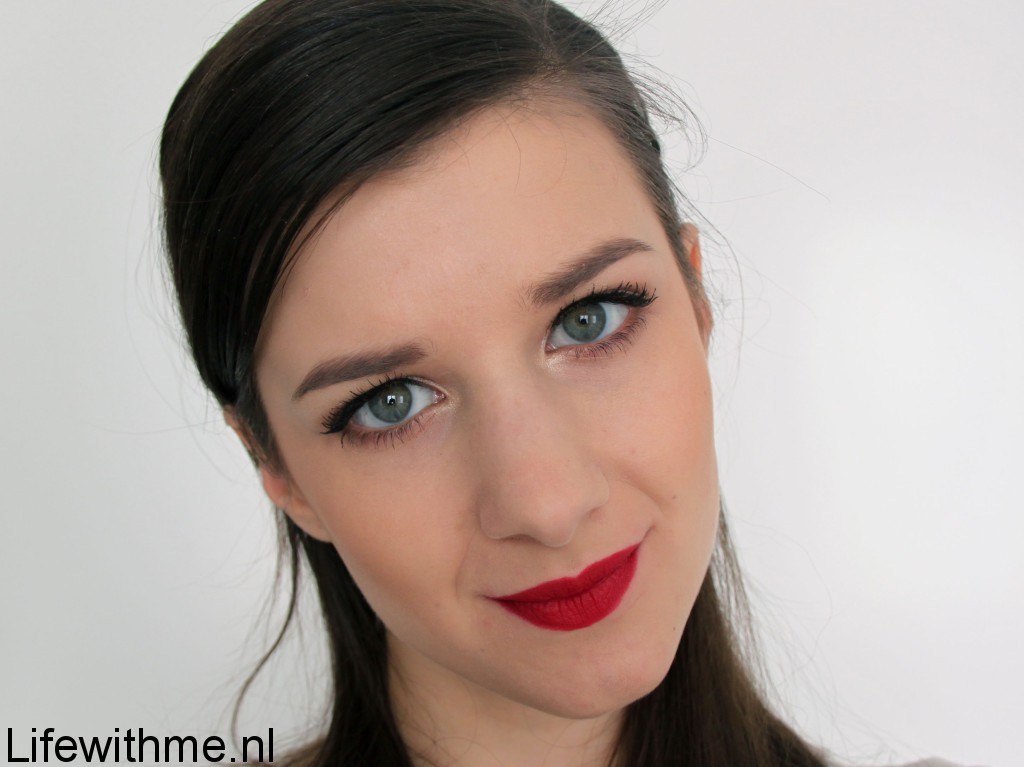 Mac Ruby woo swatch full face