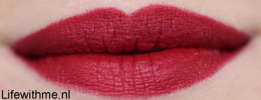 Nars cruella lip swatch